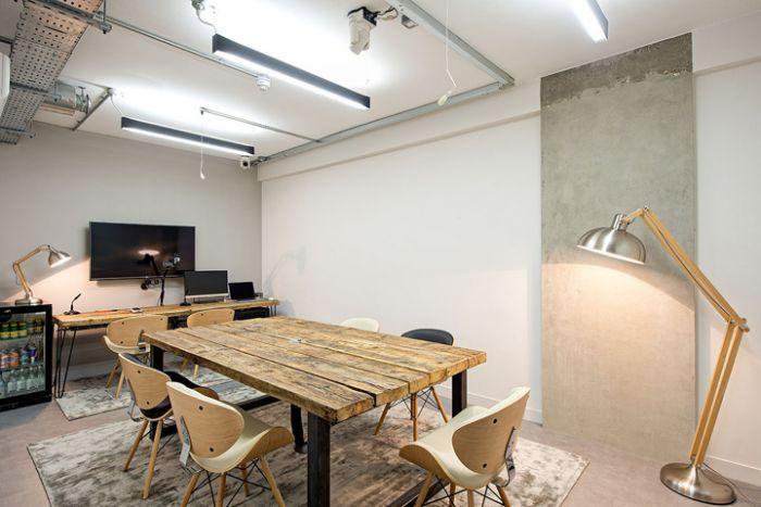https://beldecor.vn/images/tintuc-thietkenoithat/0_2017/17.01/05/office/thiet-ke-noi-that-beldecor-vn-170105-office_1.jpg