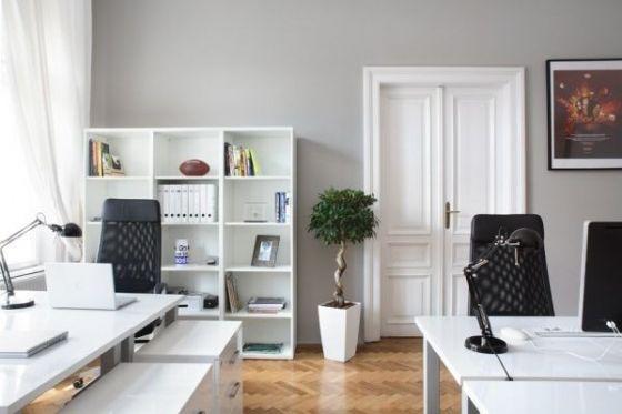 Thiết kế nội thất văn phòng theo tông trắng và đen sáng tạo độc đáo